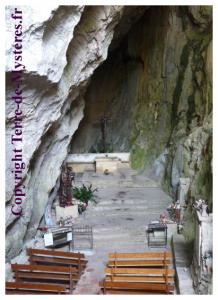 Ermitage de Galamus, la chapelle nichée au coeur de la roche