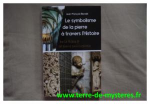 Le symbolisme de la pierre à travers l'histoire, de la bible à la pierre philosophale